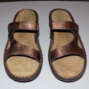 Naot Bronze leather EU38/US7